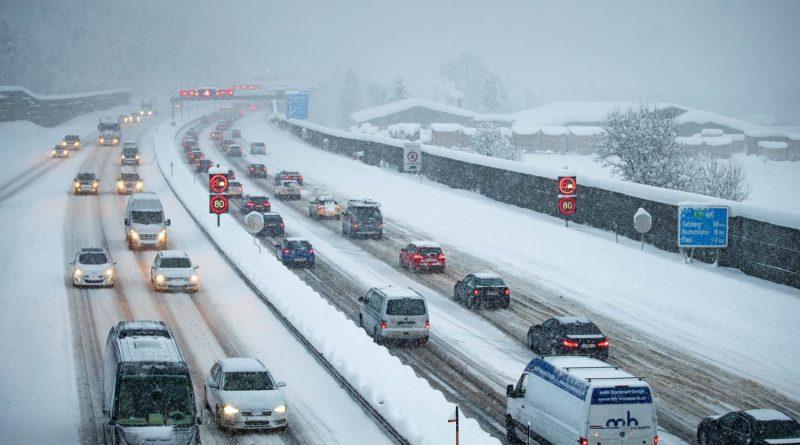 V Avstrijo NE brez zimskih gum in verig!
